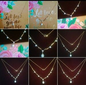Jewelry - 10k gold pearl & diamond chip necklace!